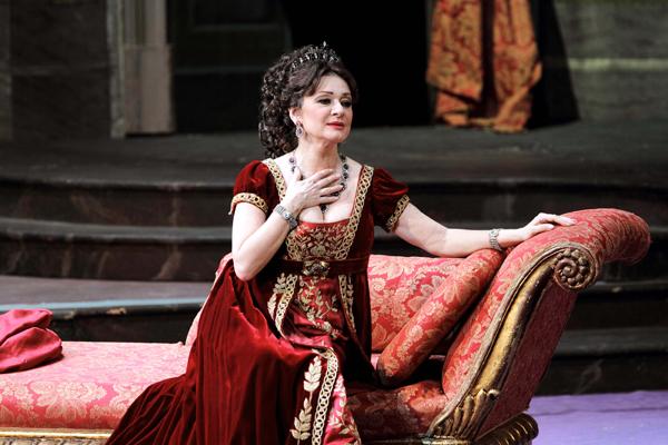 Daniela Dessì as Floria Tosca Teatro Carlo Felice, Genoa.